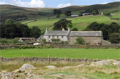 Dalefoot Farm surrounded by Lakeland hills